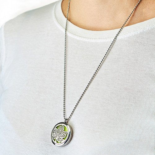 Aromatherapy Diffuser Necklace Hand of Fatima 30mm Necklaces