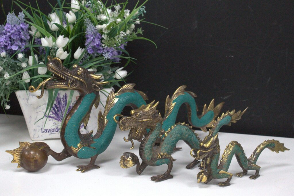 Fengshui Med Dragon with Ball 27cm Fengshui