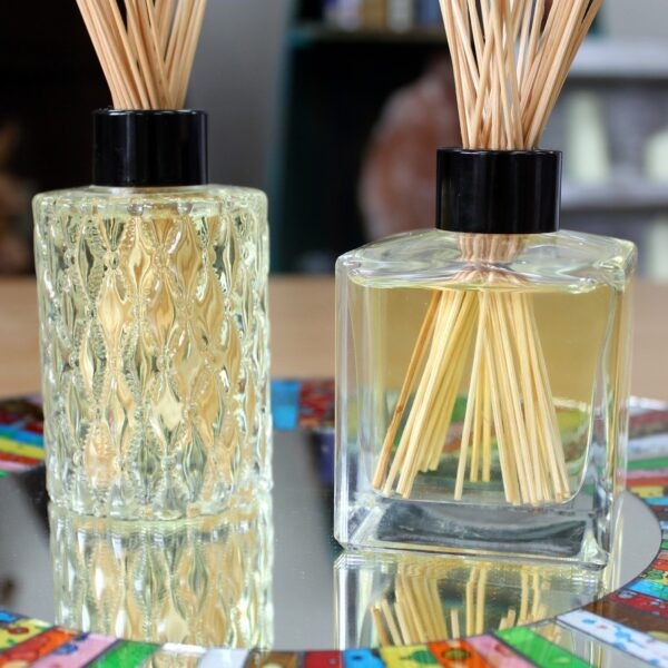Round Fancy Bottle and Diffuser Lid 150ml